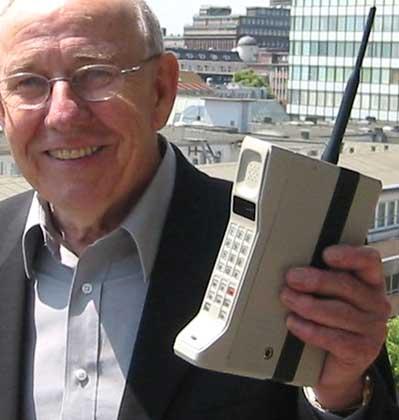 PRIMER TELEFONO MOVIL.  Motorola DynaTAC 1985